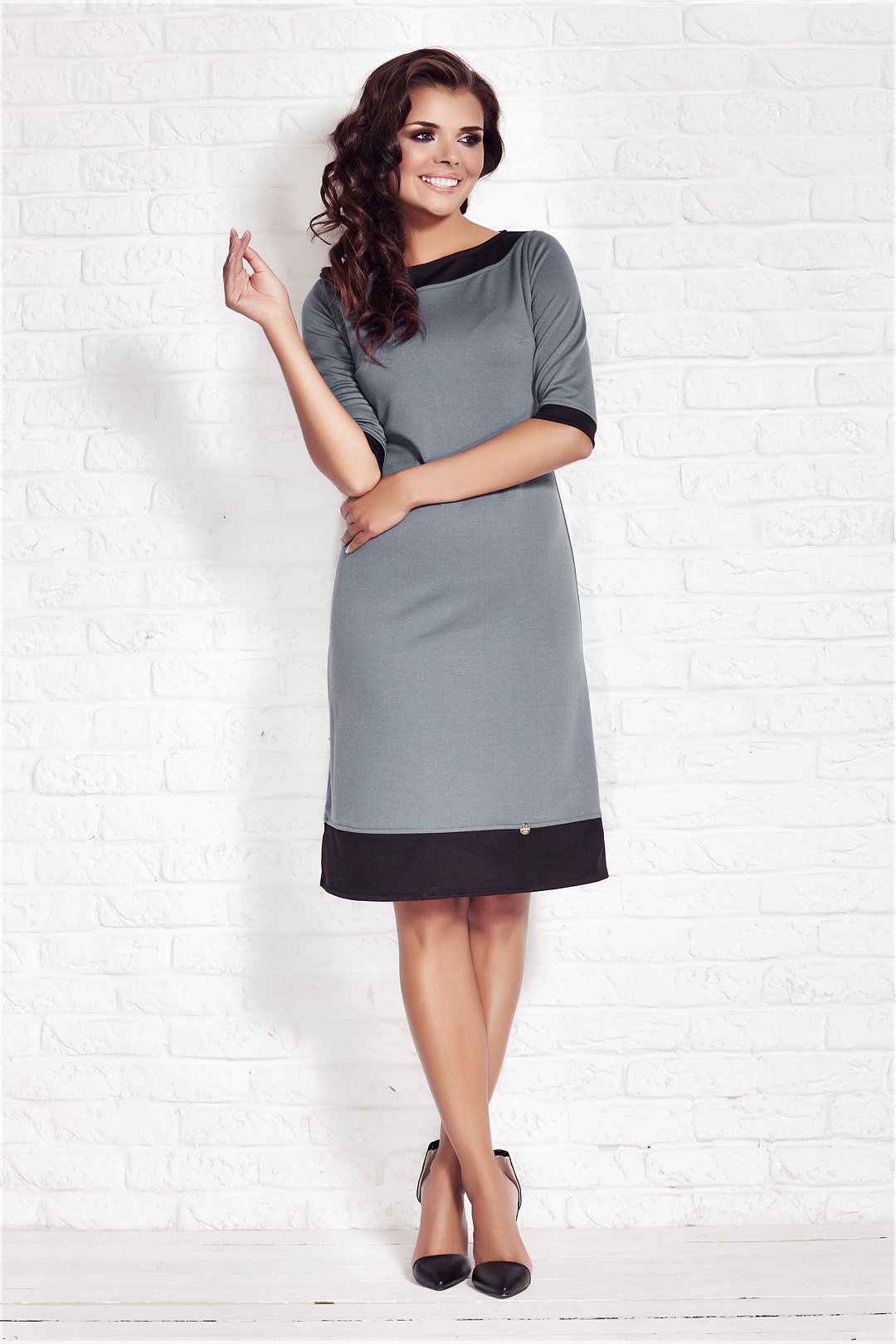 Denní šaty  model 32925 awama